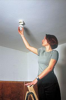 feuer richtig reagieren wenn es brennt berliner. Black Bedroom Furniture Sets. Home Design Ideas