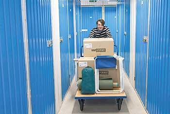 selfstorage in berlin gut aber teuer lager au er haus. Black Bedroom Furniture Sets. Home Design Ideas