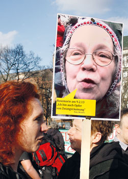 In Berlin Werden Täglich 20 Mieter Zwangsgeräumt Selber
