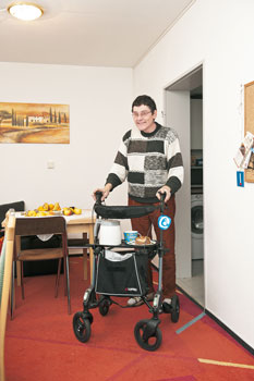 Christian Vieweg mit Rollator