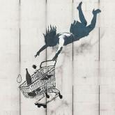 Werk des Londoner Künstlers Bansky: Fliegendes Mädchen mit Einkaufswagen