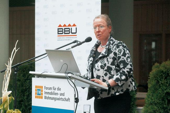 BBU-Verbandschefin Maren Kern am Rednerpult