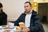 Obdachloser Leszek bei der Bahnhofsmission