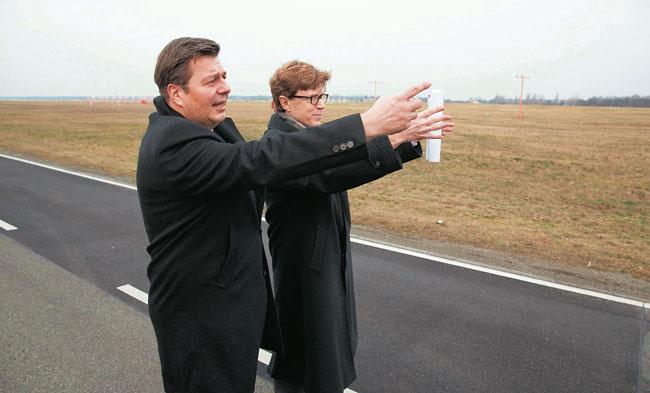 Stadtentwicklungssenator Andreas Geisel auf dem Tempelhofer Feld