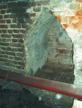 Vorbereiteter Mauerdurchbruch in den Keller des Nachbarhauses