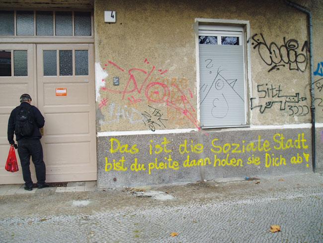 Hausfassade mit Graffiti
