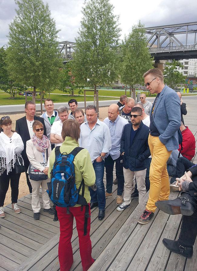 Kiezspaziergang mit Mitarbeitern der schwedischen Mieterorganisation
