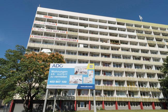 Das Gebäude Löwenberger Straße 2-4