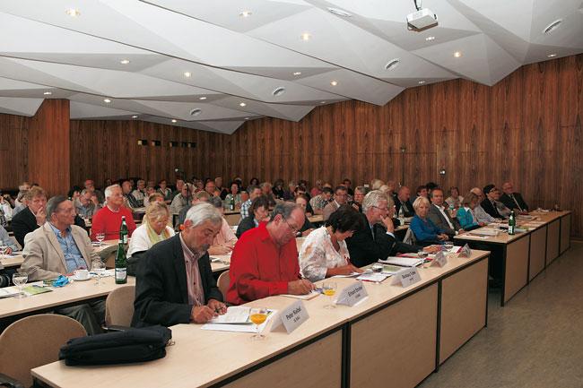 Teilnehmer beim 6. Berliner Sozialgipfel