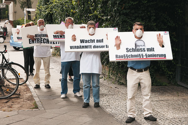 Seniorenprotest am Hanse-Ufer 5