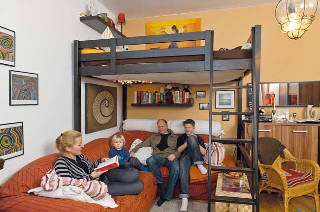 Wohnzimmer mit Hochbett