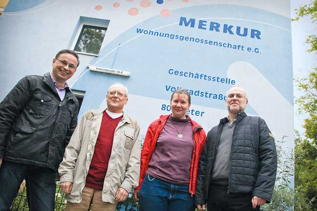 Mitglieder der AG Naturschutz bei der Genossenschaft Merkur