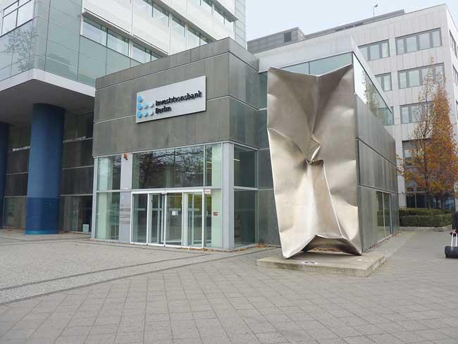 Eingangsportal der Investitionsbank Berlin