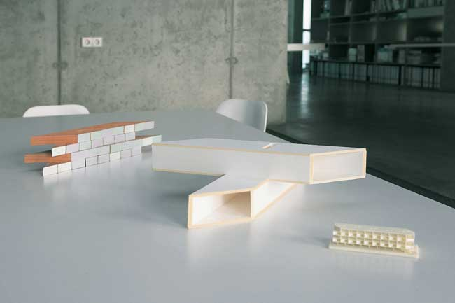 Modell des Wohnmoduls von Arno Brandlhuber