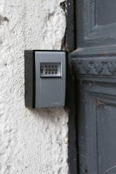 Schlüsseltresor am Hauseingang