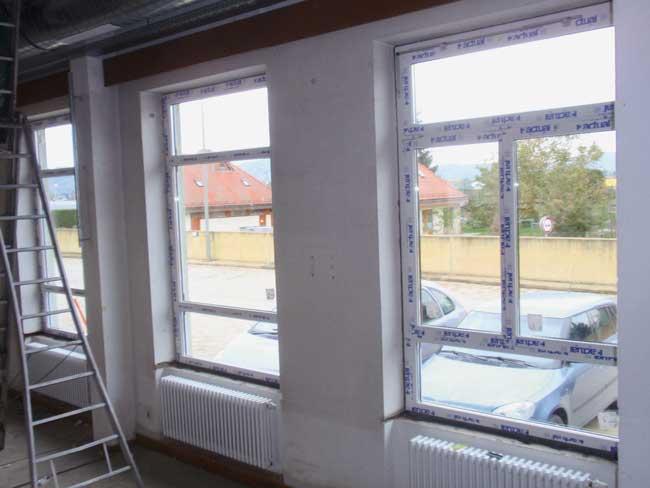 Einbau von neuen Fenstern