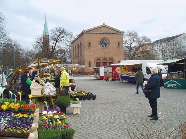 Wochenmarkt auf dem Leopoldplatz