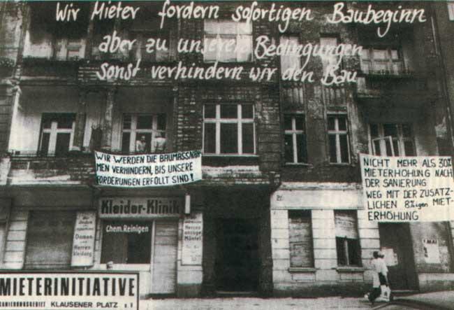 Protestparolen am Klausenerplatz in den 1970er Jahren