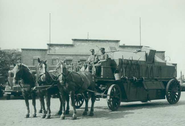 'Staubschutzwagen' Anfang des 20. Jahrhunderts
