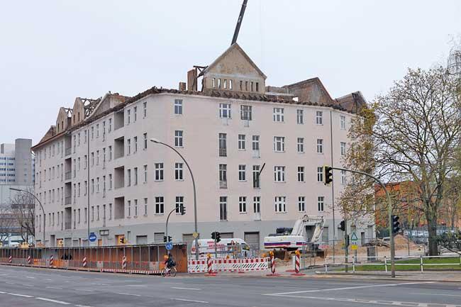 Entmietetes Wohnhaus Fennstraße