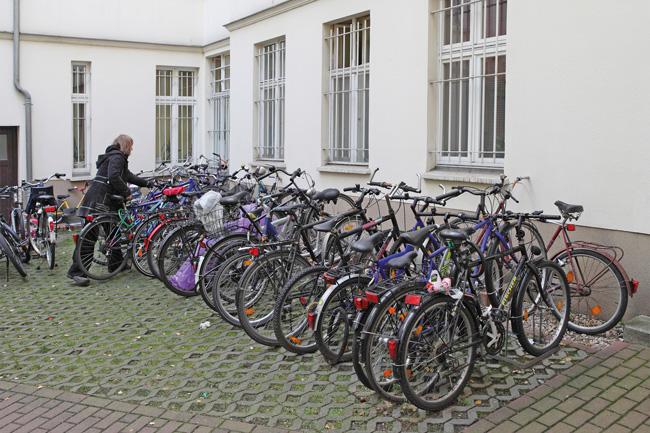 Stellplatzanlage für Fahrräder im Innenhof