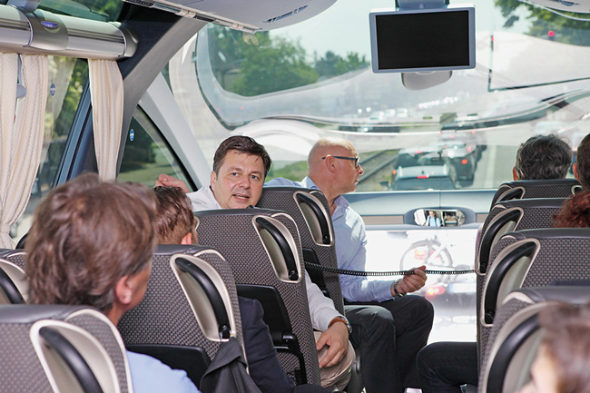 Presse-Busrundfahrt mit Senator Geisel