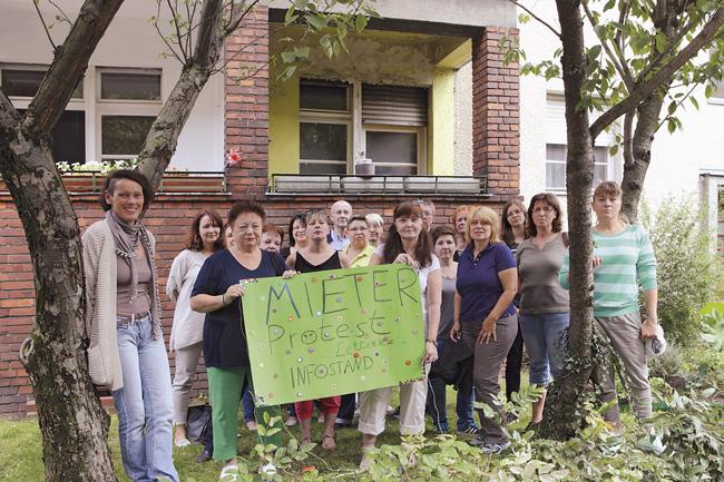 Protestierende Mieter im Lettekiez