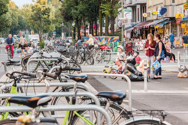 Fahrradbügel nach dem Umbau der Maaßenstraße