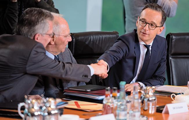 de Maizière, Schäuble und Maas am Kabinettstisch