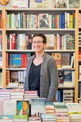 Christiane Hahn in ihrer Buchhandlung 'Anakoluth'