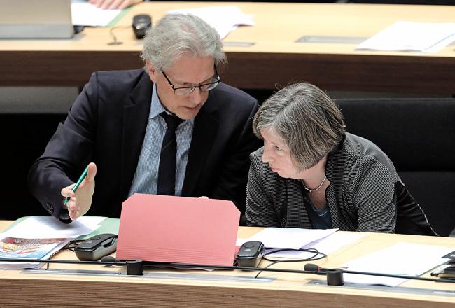 Finanzsenator Kollatz-Ahnen (SPD) und Stadtentwicklungssenatorin Lompscher (Linke)