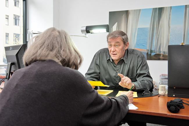 Rechtsberater berät Vereinsmitglied
