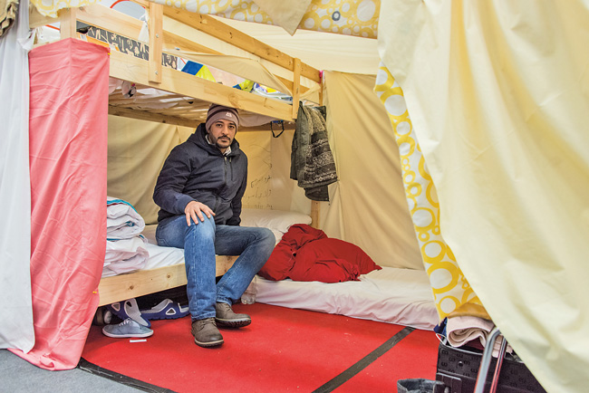 Khalid in der Dahlemer Erstunterkunft