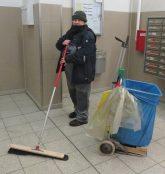 Reinigungsarbeiten im Treppenhaus