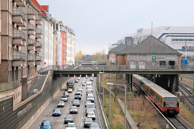 Stadtautobahn, S-Bahnhof und ICC