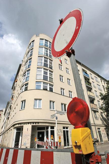 stadt im klimawandel wissenschaftler sagen berlin mehr wetterextreme voraus berliner. Black Bedroom Furniture Sets. Home Design Ideas