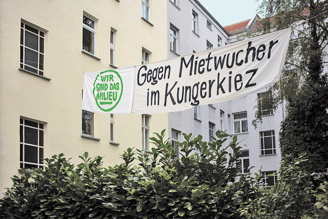 Transparent 'Gegen Mietwucher im Kungerkiez'
