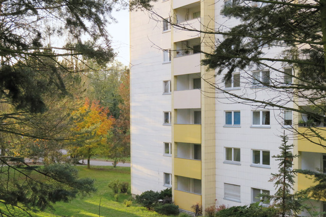 Hochhaus am Waldrand
