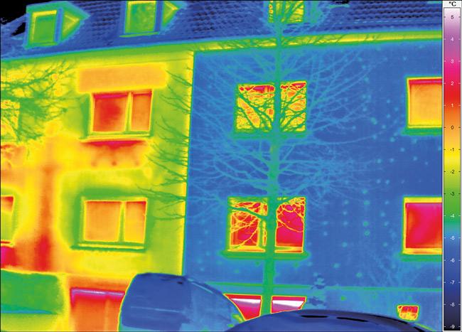 Thermografie-Bild eines Wohngebäudes