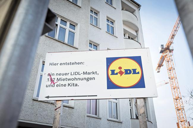 Hinweisschild auf Lidl-Bauvorhaben