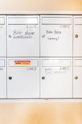 Briefkästen mit Aufschrift 'Keine Werbung'