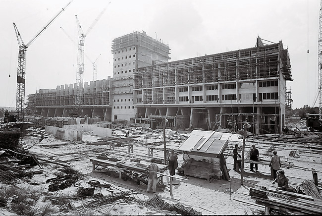 Corbusierhaus während der Bauphase