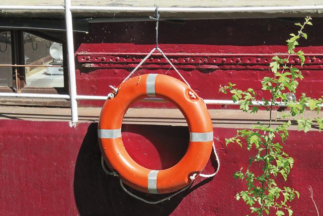 Rettungsring am Hausboot