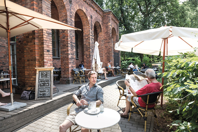 Café auf dem Luisenstädtischen Friedhof
