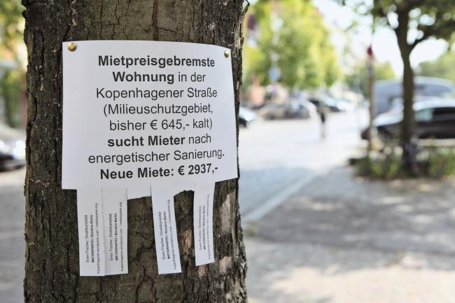 Abrisszettel mit Wohnungshinweis (2927 €)
