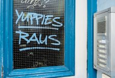 Graffito: Yuppies raus