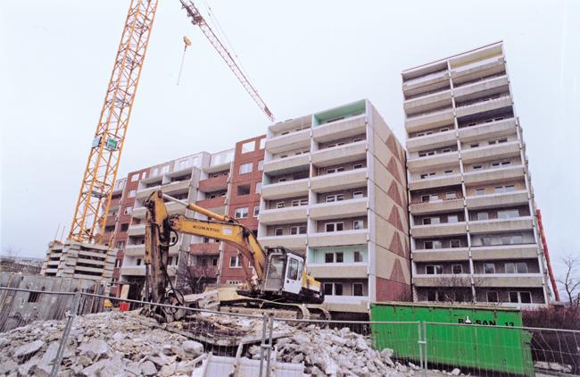 Abriss von Plattenbauten in Hellersdorf