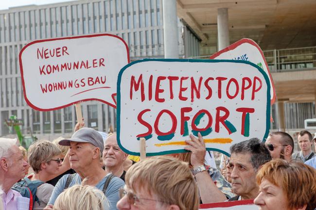 Kundgebung vor dem Hauptbahnhof