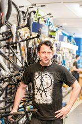 Erik Wolle im Fahrradladen