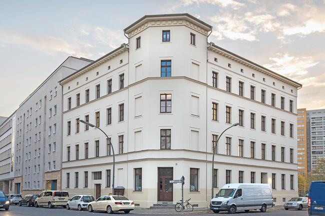 Eckhaus Alte Jakobstraße 145